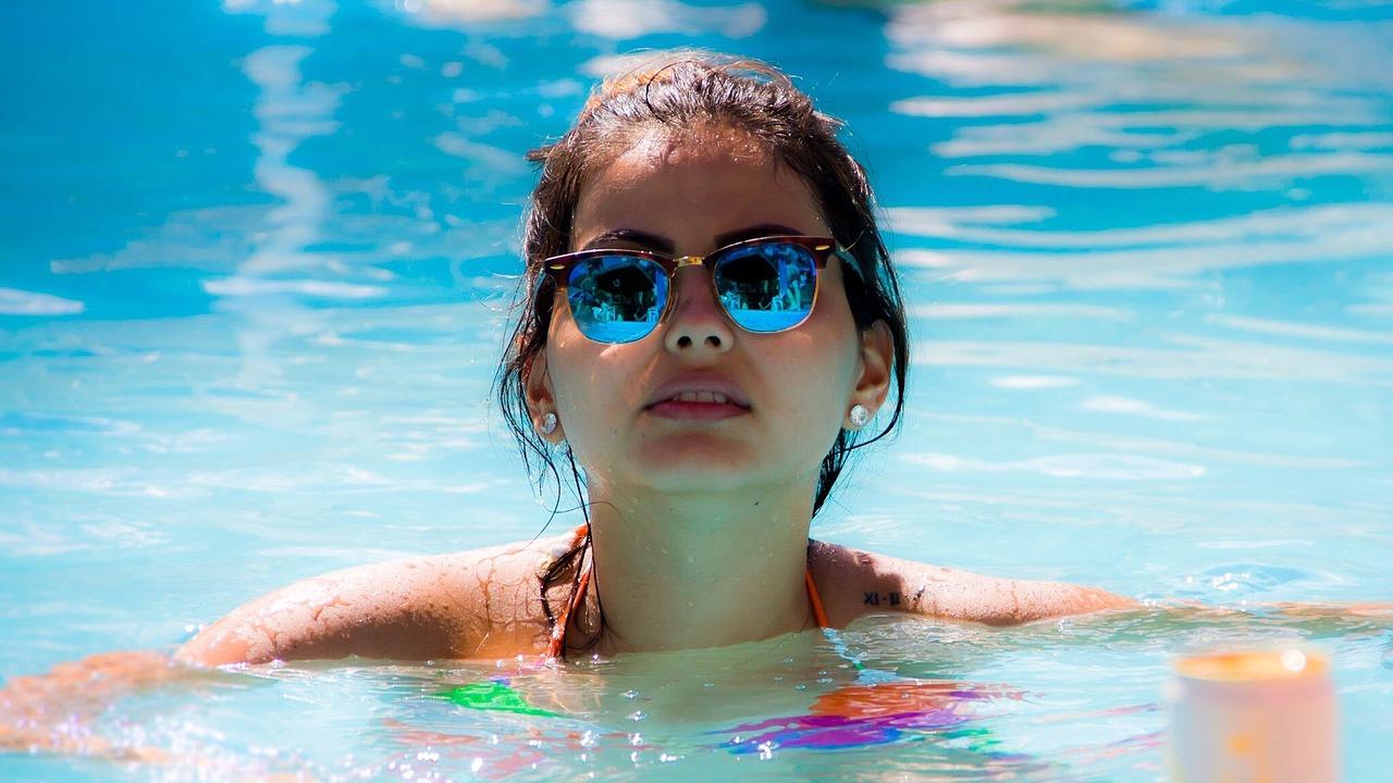 Baseny ogrodowe kąpielowe i wewnętrzne – zadaszenia basenowe: budowa